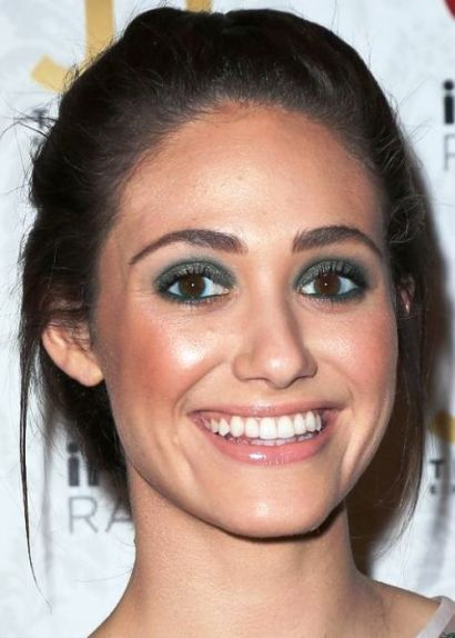 Best-Celebrity-Makeup-Looks-for-Brown-Eyes_14